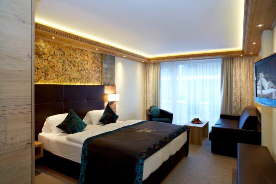 Photo of Hotel Tirol Ischgl