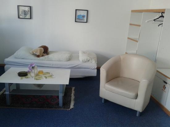 Hotel Gasthaus Rogge: Bereich mit Bett für größeres Kind in Familienzimmer