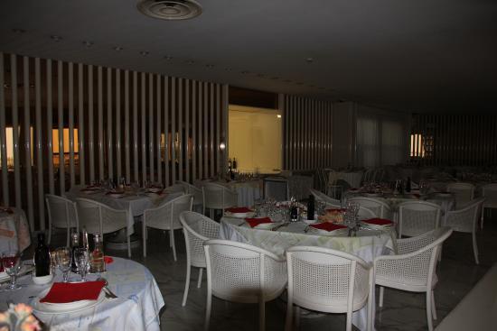 Hotel Moderno Chianciano: Speise-/Frühstücksraum. Extrem laut