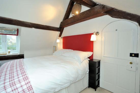 Mere, UK: Attic bedroom