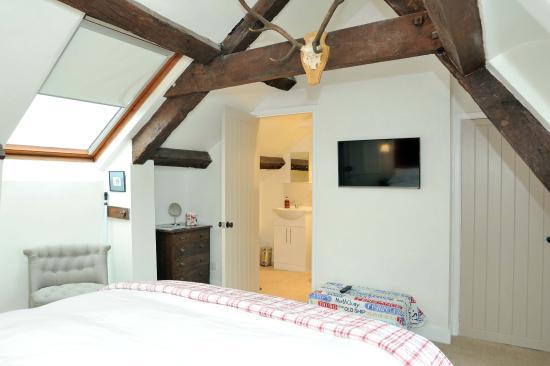 Mere, UK: Attic bedroom 2