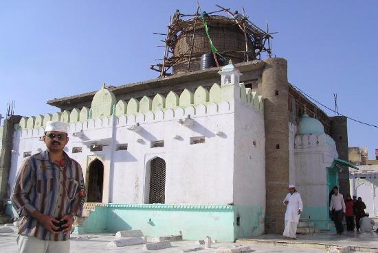 Dargah Hazrat Meera Syed Hussain