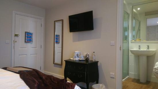 Talbot Hotel: IMAG0406_large.jpg
