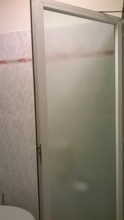 hotel boccaccio bagno camera tv parete