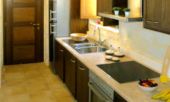 Marathias, Yunani: Fully equipped kitchen with electric oven and dishwasher