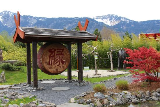 Le Jardin Zen: One place that worths to be visited for its relaxing and beautiful athmosphere.