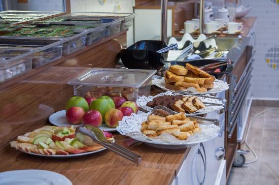 Airport Best Hotel: Breakfast