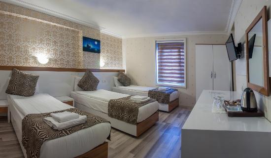 Airport Best Hotel: TRIPLE ROOM