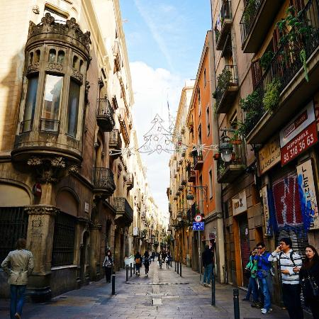 Barcelona Gothic Quarter by @juihong on instagram ...