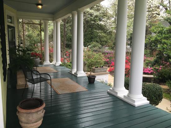 Dillon, Carolina del Sur: Side porch.