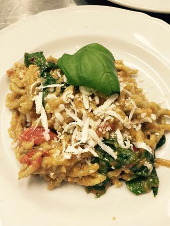 Montecorvino Pugliano, อิตาลี: A pranzo ottimi primi piatti