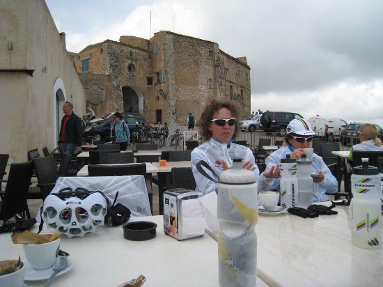 Arta, España: Coffee after the climb