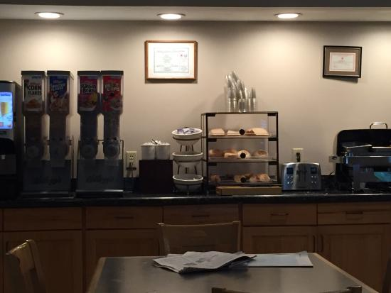 simple breakfast buffet picture of country inn suites by rh tripadvisor ca
