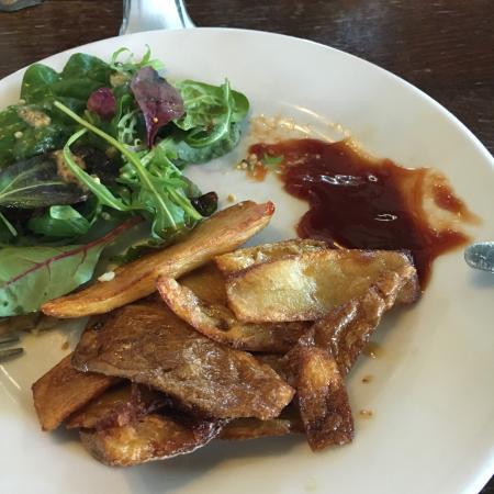 Marley Hill, UK: Potato Skins