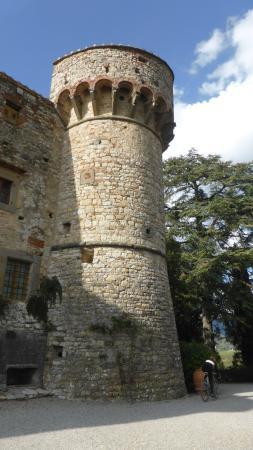 Castello di Meleto: Turm des Castellos