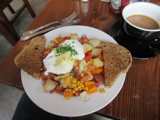 Stomping Grounds Cafe Bistro: Mexican Hash