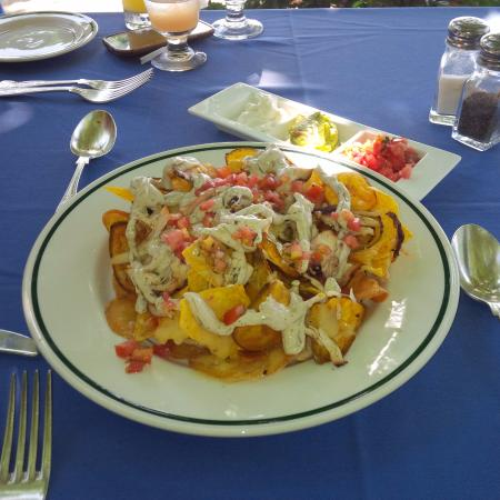 Round Hill Dining: Nacho and plantain chips appetizer