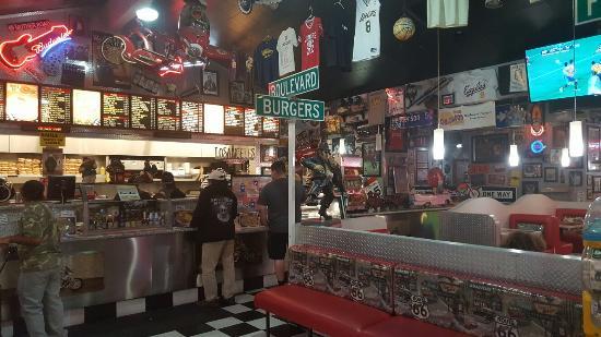 Boulevard Burgers: Toller Dinner zu niedrigen Preisen für die Gegend.