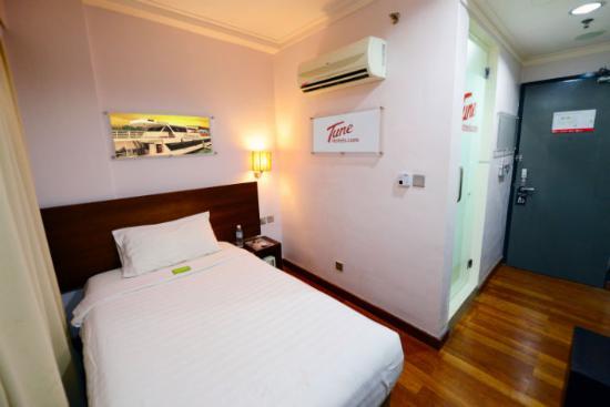 tune hotel waterfront kuching twin room picture of tune hotel rh tripadvisor com sg