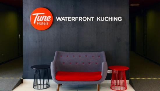 Tune Hotel Waterfront Kuching Lobby