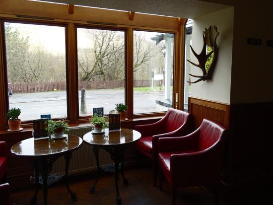Crianlarich, UK: Bar area