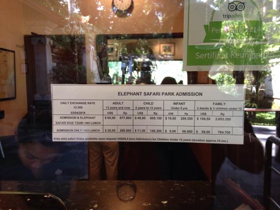 Tegalalang, Indonesia: Prices posted at entrance
