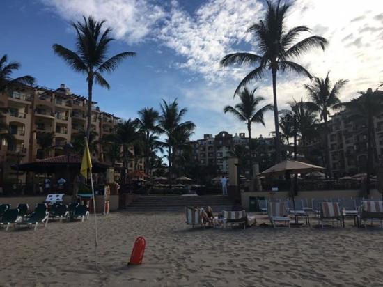 Villa del Palmar Flamingos: View of Hotel from the beach