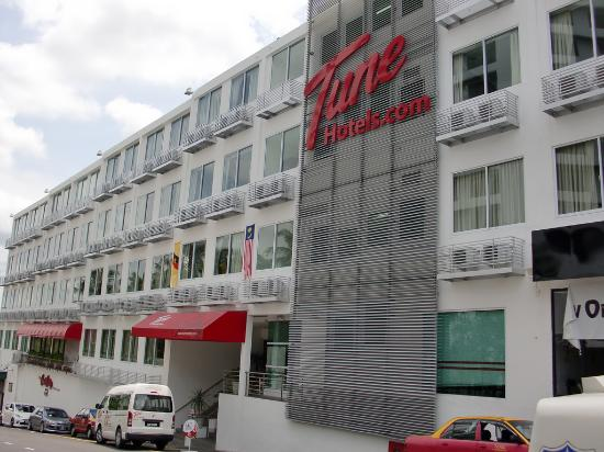 ‪تيون هوتل - ووترفرونت كوتشينج: Tune Hotel Waterfront Kuching Exterior 2‬