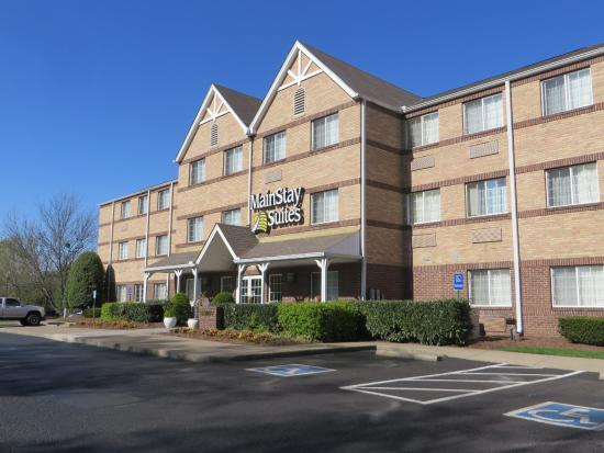 MainStay Suites Brentwood: Outside of hotel
