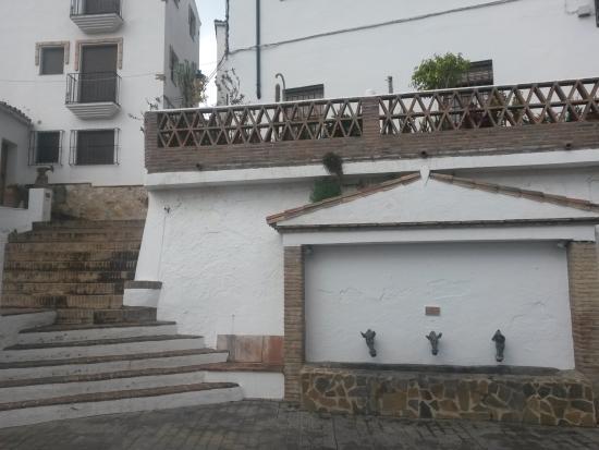 Genalguacil, España: Entrada a los apartamentos