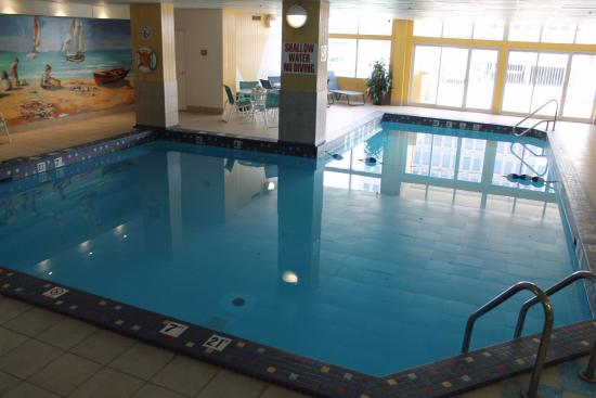 Holiday Inn Windsor Downtown: Indoor pool