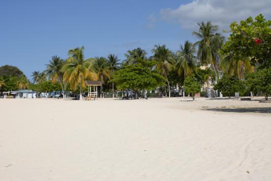 Jamaica Grande Beach : Clean and well kept beach.