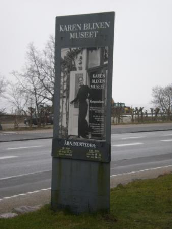 Rungsted, Dinamarca: Cartel del museo