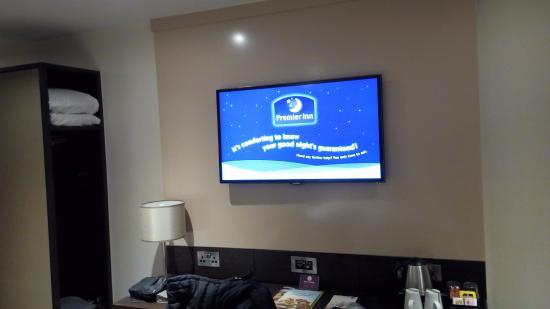 Premier Inn Glasgow (Cambuslang/M74, J2A) Hotel: TV