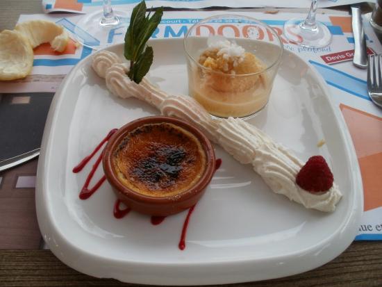 Mirecourt, Francia: Chaud froid de mirabelles