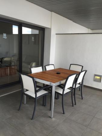 Hotel Fuerte Estepona: patio dining