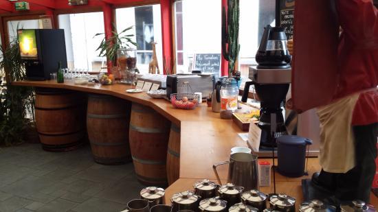 Au Tonnelier : Breakfast Buffet