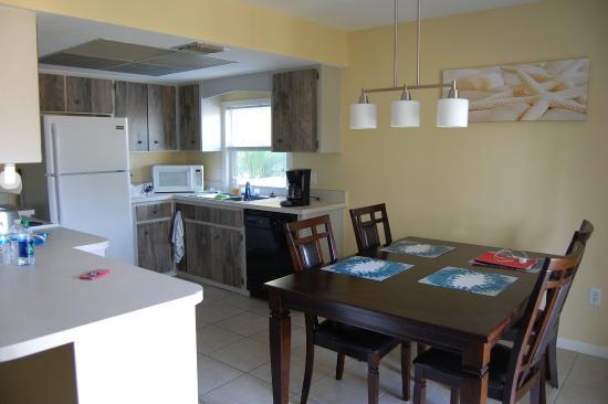 Foto de Englewood Bay Motel & Apartments