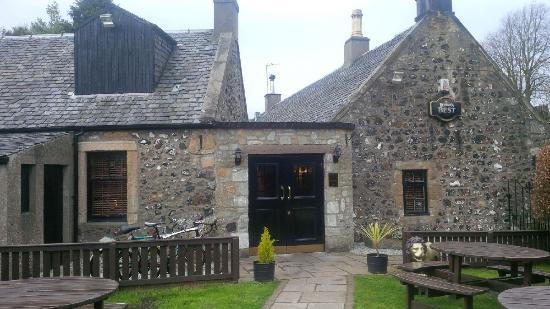 Garden Centre: Picture Of The Wheatsheaf Inn, Kilmarnock