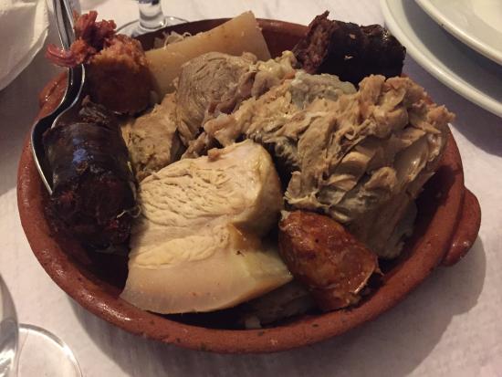 Mourao, Portugal: carne do cozido