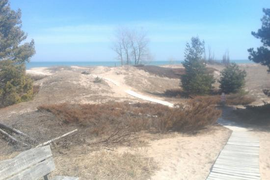 Point Beach State Forest: trail to the beach