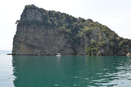 Capodimonte, إيطاليا: Isola Bisentina
