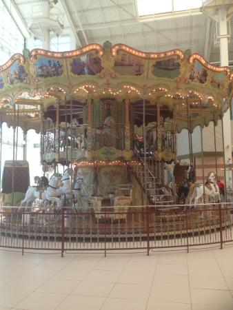 West Nyack, estado de Nueva York: The double decker carousel