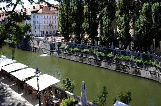 Vander Urbani Resort: This is the view from our river view room on the upper floor - magical!
