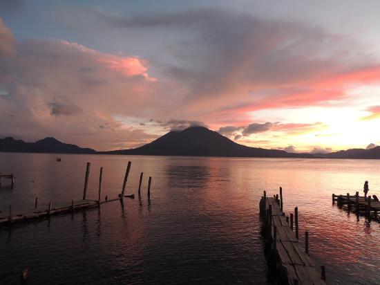 Atitlan Adventure Tours: sunset in atitlan