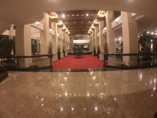 Barceló San José Palacio: Lobby at night