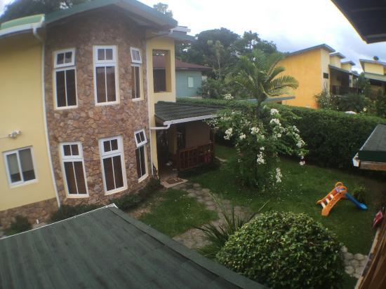 Marfi Inn Apartments: Grounds