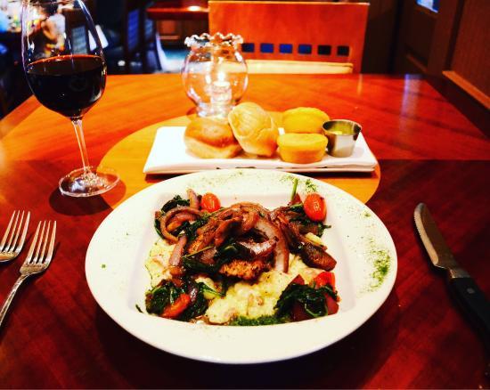 Suga's Deep South Cuisine & Jazz Bar: photo0.jpg