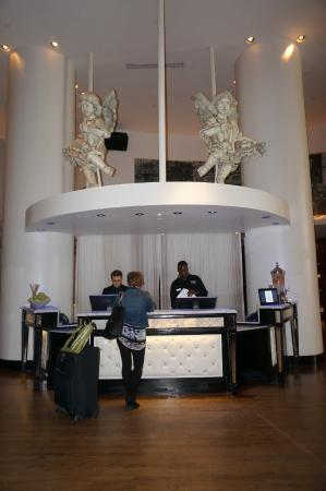 check in desk picture of the saint hotel autograph collection rh tripadvisor ie
