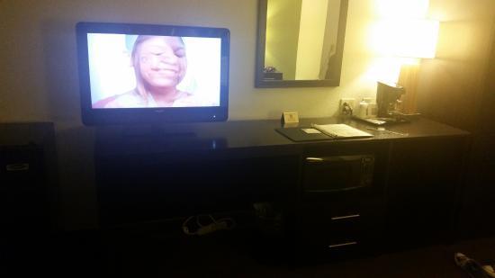 Dumfries, Вирджиния: tv view from bed